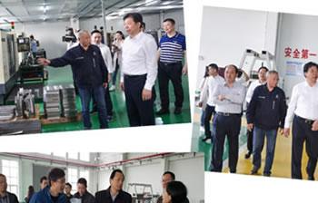 株洲市政府领导视察工厂